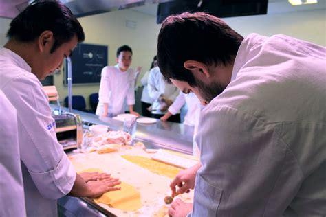 migliore scuola di cucina italiana scuole di cucina le migliori in italia per aspiranti chef