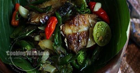 Ikan Pari Asap Dan Bumbu Mangut cooking with tumis ikan pari asap