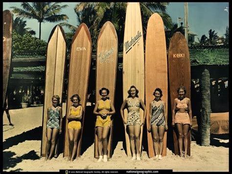designspiration wallpaper designspiration vintage waikiki surfer girls wallpaper