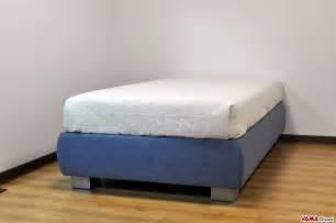 letto con contenitore una piazza e mezza senza testata sommier