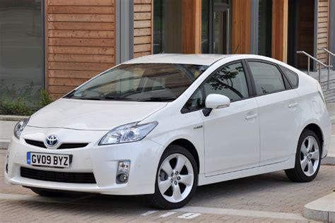 how petrol cars work 2011 toyota prius head up display toyota prius iii review 2009