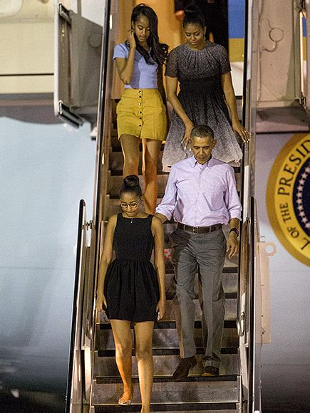 obama hawaii the obamas land in hawaii for annual vacation people com