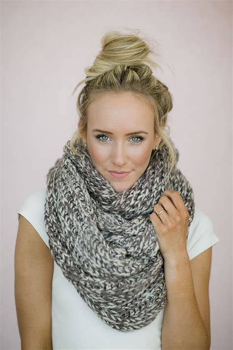 knitting pattern snood scarf infinity scarf knitted chunky mocha ivory loop snood