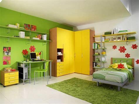 decorados in english dormitorio infantil decorado en amarillo y verde diseno casa
