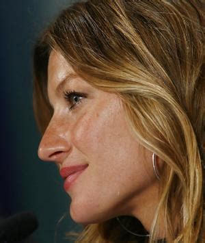 long noses pretty world s wealthiest model finds us dollar on the nose