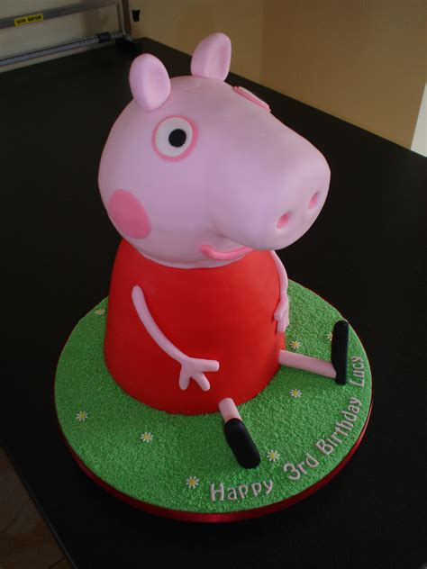 peppa pug cake peppa pig cake this cake was a nightmare the fell ov flickr