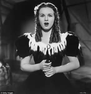 Reclusive former 1930s star deanna durbin who became one of america s
