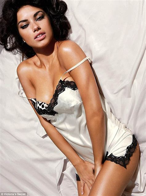 celebrities with bedroom eyes adriana lima bats her bedroom eyes in sizzling new