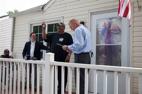 southwest housing solutions once homeless vet receives home donated by southwest solutions and bank of america