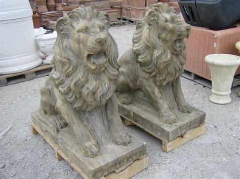 lioni da giardino moderni coppia di leoni in pietra vecchia cm 100 leopietr 2