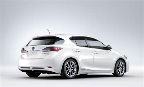 lexus pakistan lexus ct200h 2018 prices in pakistan pictures and reviews