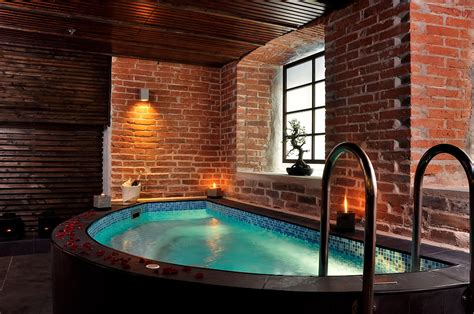 difference between sauna and steam room difference between sauna and spa sauna vs spa