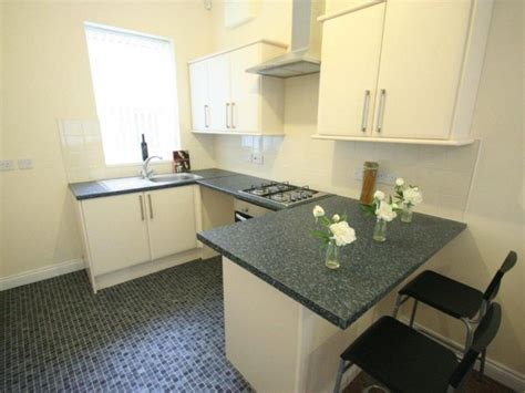 rooms to let hull let s rent hull 87 sharp hull hu5 2af