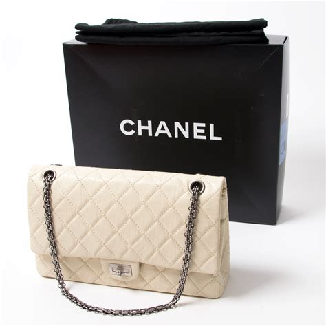 Tas Parfum Chanel shop safe authentic vintage chanel clothes bags