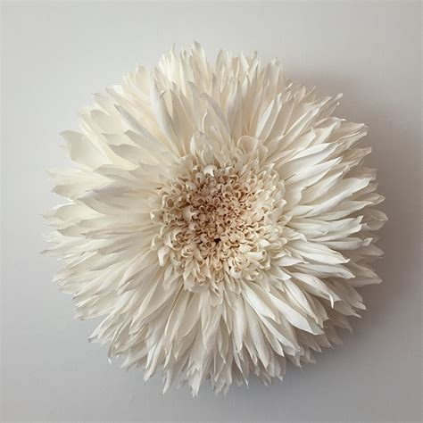 How To Make A Paper Sculpture Flower - new paper flower sculptures by tiffanie turner