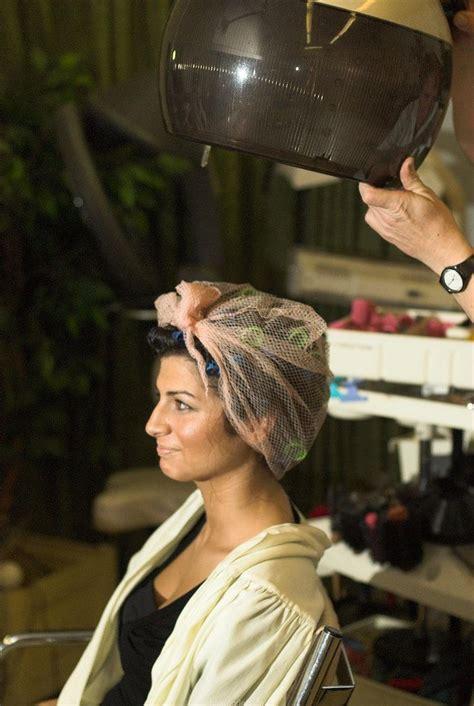 beauty salon sissy under hair dryer marinella voilette passage sous le casque netted under