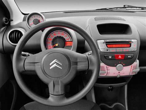 c1 interni nouveau citroen c1 en photo interieur