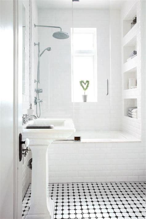white bathroom ideas pinterest comment agrandir la petite salle de bains 25 exemples