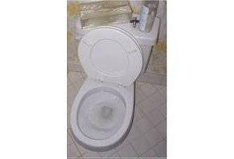 comment nettoyer le fond des toilettes comment faire pour avoir des toilettes bien propres