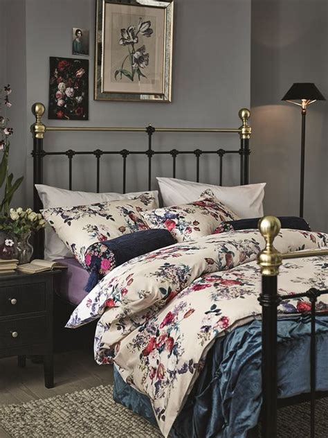 adorable bedding ideas  feminine bedrooms digsdigs
