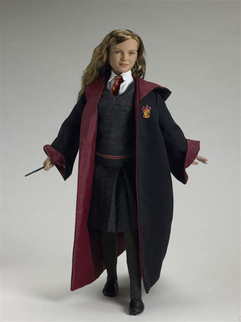 Hermione Granger Hogwarts by Tonner Doll Company Hermione Granger