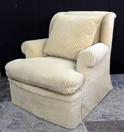 comfortable chairs with ottomans comfortable chairs with ottomans large and comfortable