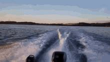 speedboat gif speedboat wave gif speedboat wave throw discover