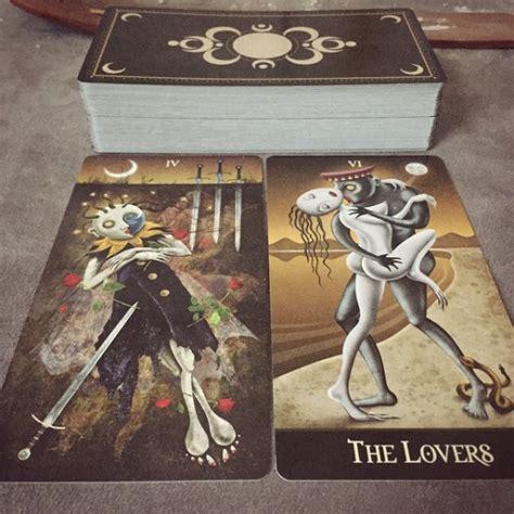 libro deviant moon tarot borderless deviant moon tarot borderless edition lt tarot