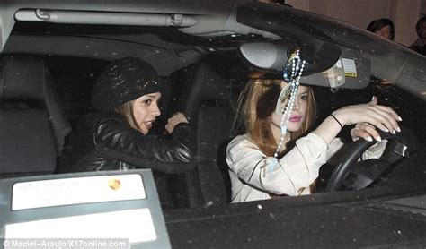 Paparazzo Hits Lindsay Lohans Car by Lindsay Lohan Hit And Run Car Drama Club Manager To