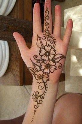 membuat gambar tangan 3d beragam motif henna telapak tangan simple dan mudah