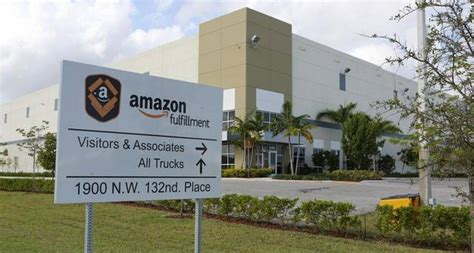 design center jobs florida amazon s new warehouse in south florida aims to speed