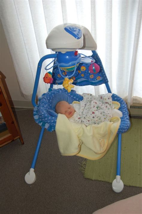 aquarium cradle swing fisher price fisher price aquarium cradle swing review the fussy baby