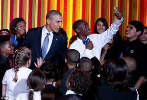 talent house academy barack obama takes selfie with ellen degeneres after claiming to be fed up with them