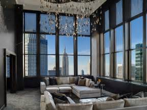 livingroom suites penthouse at the new york palace costs 250k a month