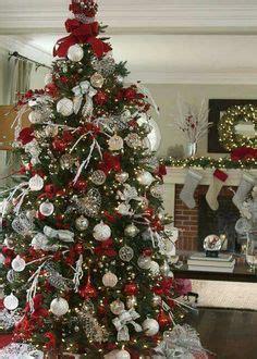 11 simple last minute holiday centerpiece ideas