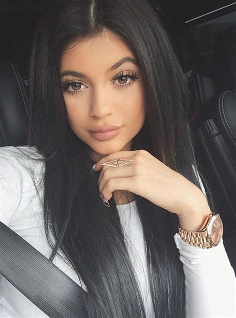 kylie jenner s selfies admits she takes 500 pics to get