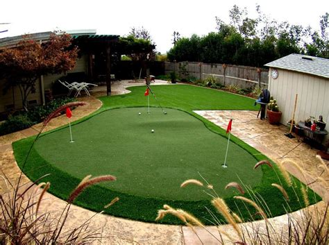 Backyard Golf Green Artificial Or Synthetic Grass Putting Green Installation