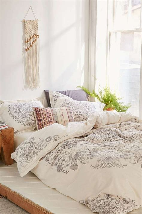 Best Kind Of Duvet Feminine Bedroom Ideas For A Mature Woman Theydesign Net