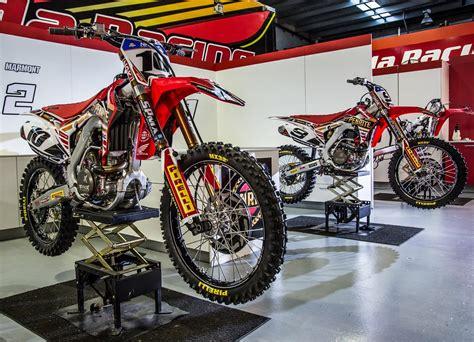 scorpion motocross pirelli scorpion mx 32 110 100 18 mid soft rear tyre at