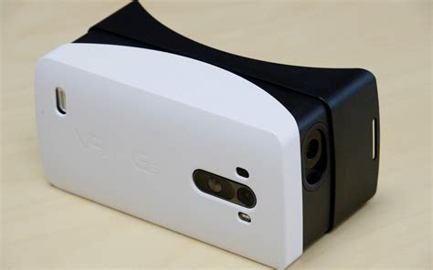 Vr Lg Lg Builds Its Own Mobile Vr Headset For The G3