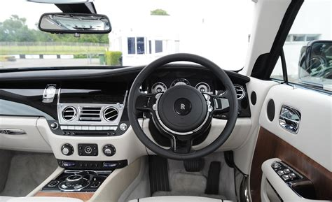 roll royce wraith inside car and driver