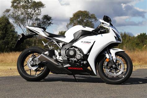 cbr1000rr tested 2014 honda cbr1000rr cycleonline com au