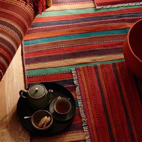 bunte teppiche für draußen bunte kelims in herbstfarben bild 32 living at home