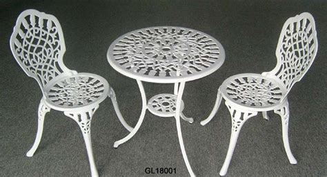 Cast Iron Bistro Table And Chairs China Cast Iron 3pc Bistro Table And Chair Set Gl18001 China Bistro Set Garden Furniture