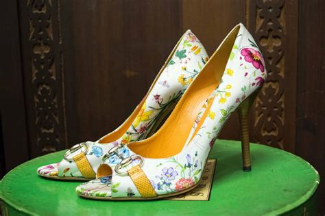 Gucci Floral Heels gucci floral peep toe high heels for sale at 1stdibs