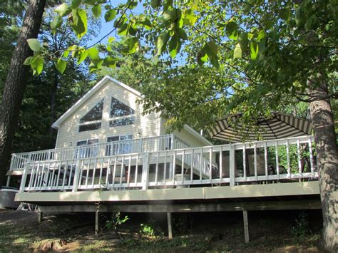 waterfront br private deck access houses for rent in skaneateles lakefront private 100 frontage on east side