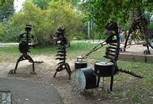 diy metal yard art enjoy the whimsical look of metal
