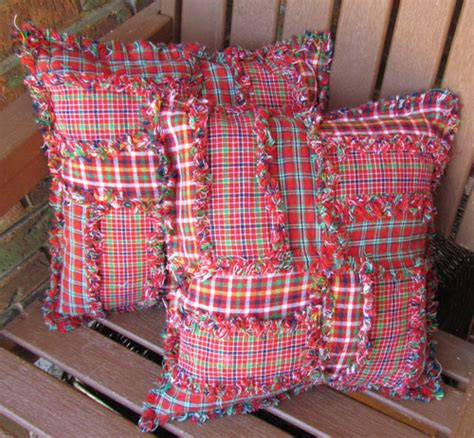 Patchwork Craft Fair - leftover square pillow jubilee homespun projects