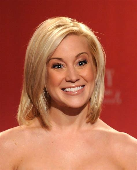 kellie pickler as hair grew from a buzz kellie pickler hair google search accessorize