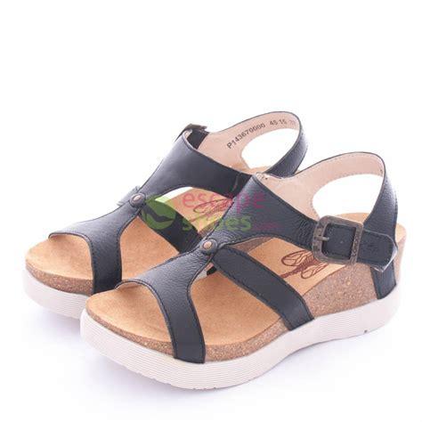 fly black sandals sandals fly wave weil670 black p143670000 escapeshoes
